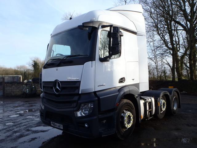 b5d63df287 2014 Mercedes-Benz Actros 2543LS 6x2 Tractor Unit