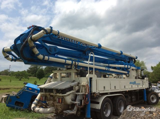 Schwing 2023-5/S39SX Concrete Pump on 2014 Peterbilt 320 T/A