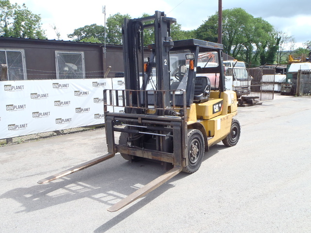 Pneumatic Tire Forklifts For Sale | GovPlanet