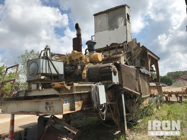 2015 Powerscreen Warrior 2100 Tracked Mobile Screen Plant in