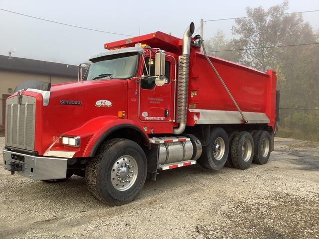 2013 (unverified) Kenworth T800 6x4 Tri/A Dump Truck