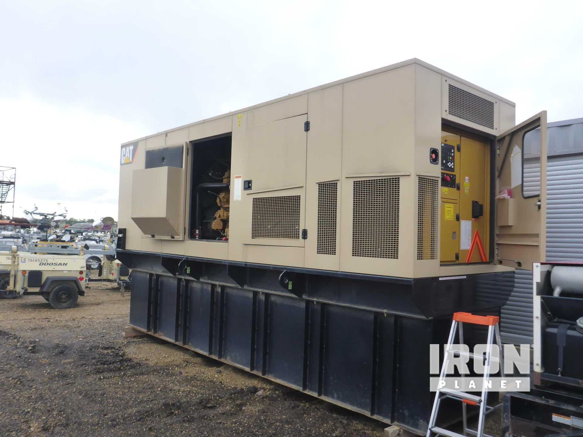 2011 Cat C18 Gen Set: (250-749 kW/310-950 kVA) in Nisku