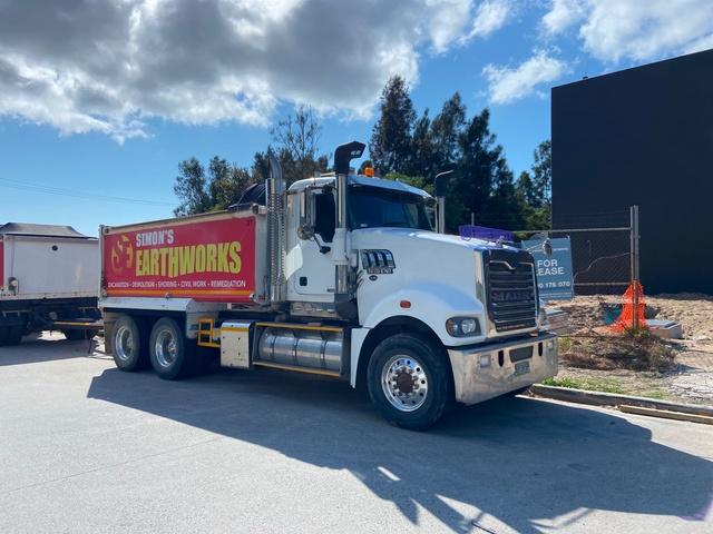Tipper Trucks-landing-page-image